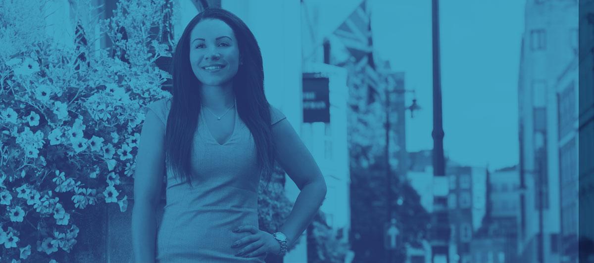 Sofia Thomas - Tax Specialist